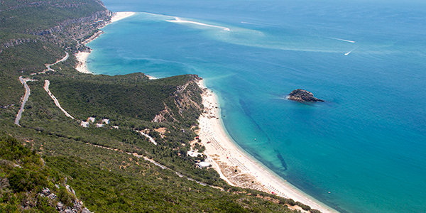 If you want to feel the adrenaline and not having to drive for hours, the best option is to head to the Arrabida Natural Park, one hour away from Lisbon.